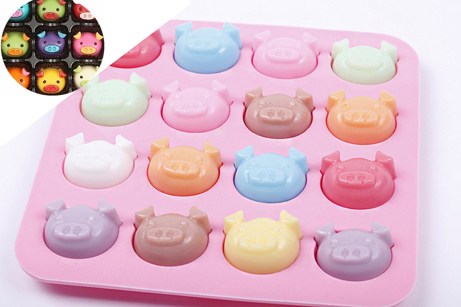 Icy Pigfaces, IceCube, CumCube, Chocolate, Cookie mold in little pig faces