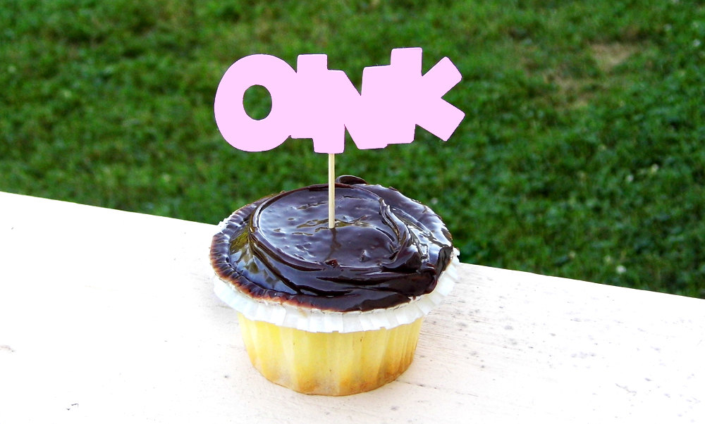 Oink CupCake Toppers (set of 5)